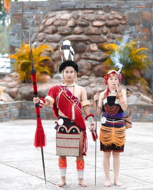 Hereileu war dance